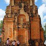 Tháp cổ Chót Mạt